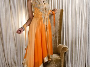 Purchase Salwar Kameez at best discount offers by Mirraw