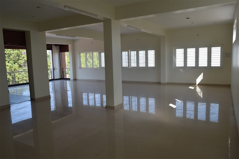 Show room space for rental at kannappa Towers, karaikudi near alagappa university arch.